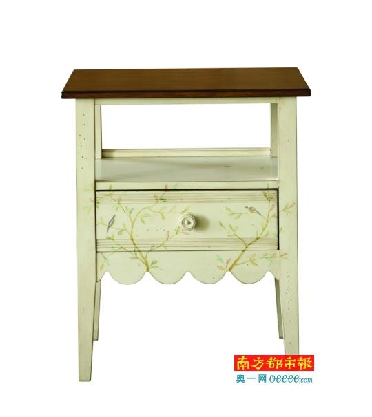 娇柔美丽的木质桌子